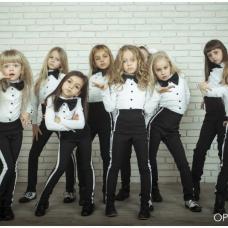 opНовогодняя фотосессия Яны Заец и ее воспитанниц